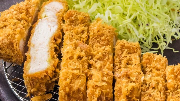 アークヒルズ「金沢かつぞう」 お食事をご利用の方は味噌汁を豚汁に変更可能!