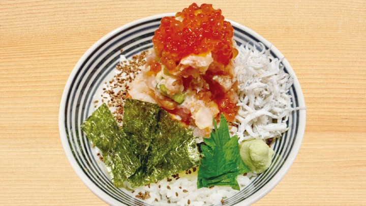 アークヒルズ「日本橋海鮮丼 つじ半」 しらすトッピングサービス!