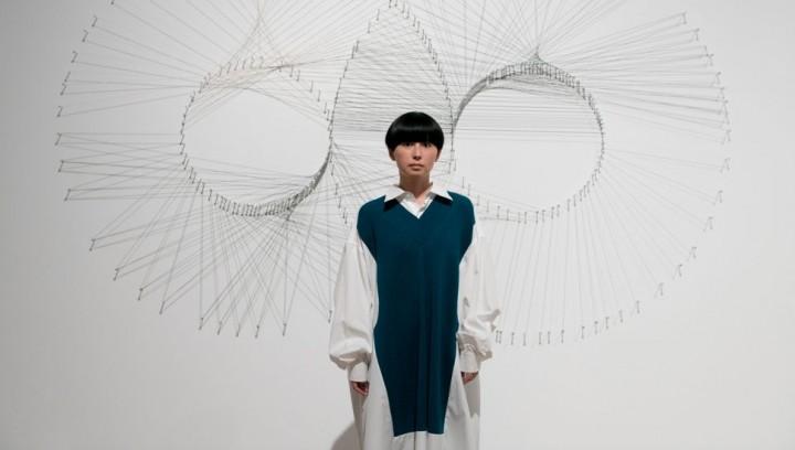 【HILLS LIFE DAILY】いろんな女がいることを感じに来る。それだけで意味があるし、楽しい——小説家 松田青子が体験した「アナザーエナジー展」@森美術館(〜2022/1/16)